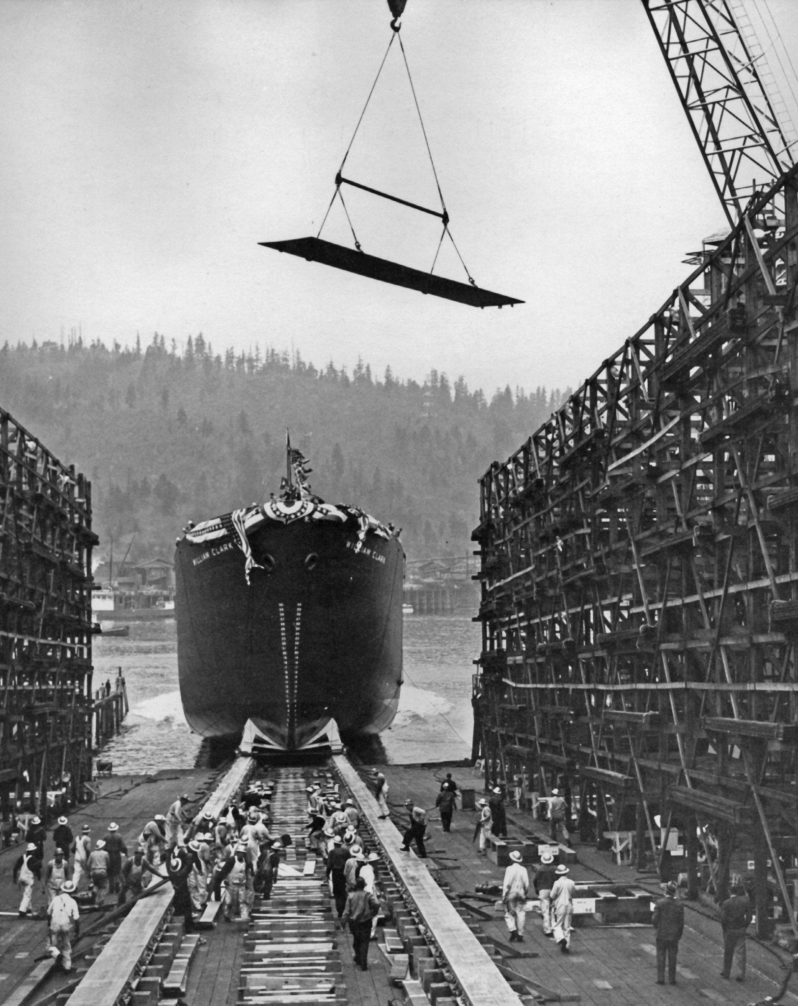 Oiled slideway ship launch