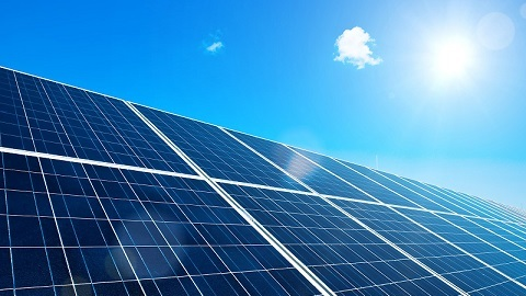 solar panels helps to capture solar energy